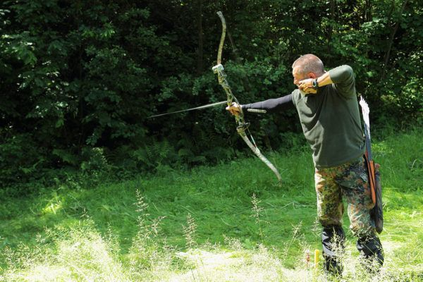 Recurve Vs. Compound Hunting Bow
